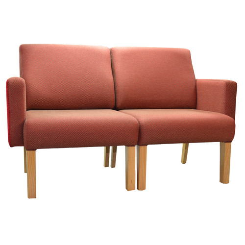 Lounge with Arms